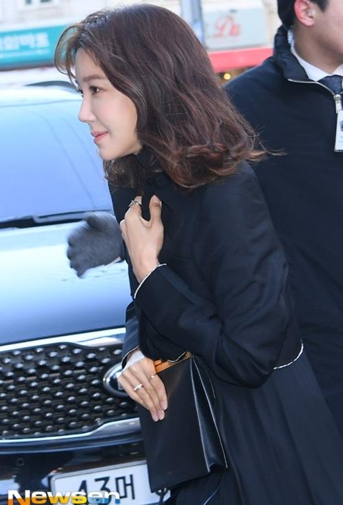 CL vấp ngã, Black Pink đẹp sang chảnh khi đến dự đám cưới Tae Yang - 8