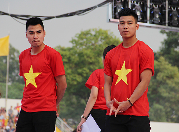 U23 Việt Nam điển trai xuất hiện trong tiếng reo hò của fan Sài Gòn - 10
