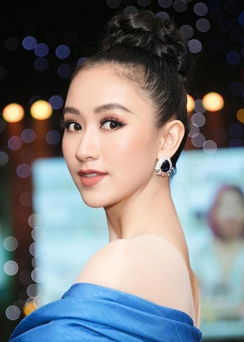 Hà Thu diện lại đầm dạ hội từng gây ấn tượng tại Miss Earth 2017 - 4