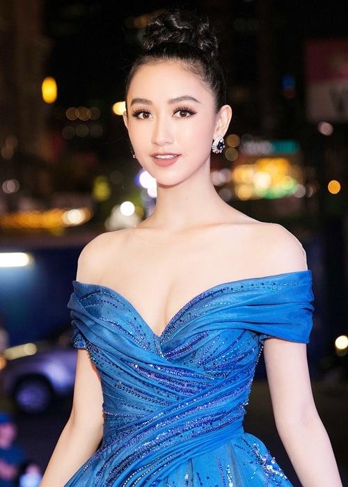 Hà Thu diện lại đầm dạ hội từng gây ấn tượng tại Miss Earth 2017 - 1