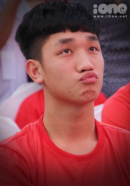 Giữa dàn trai đẹp U23, Trọng Đại nổi bật nhờ loạt biểu cảm kute - 4