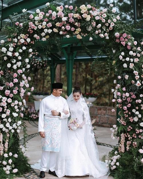 Khung cảnh đẹp như mơtrong hôn lễ của cặp đôi gia thế khủng.