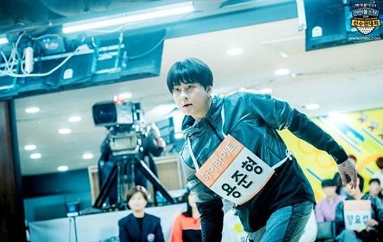 Loạt idol khoe dáng ném bowling chất lừ như đóng phim - 9