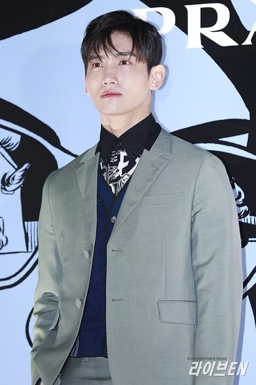 Chang Min lịch lãm như hoàng tử, chứng minh đẳng cấp visual của thế hệ idol thứ 2.
