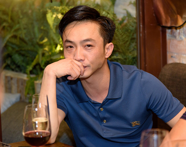 Cường Đô La công khai đến chúc mừng bạn gái Đàm Thu Trang lên chức bà chủ - 1