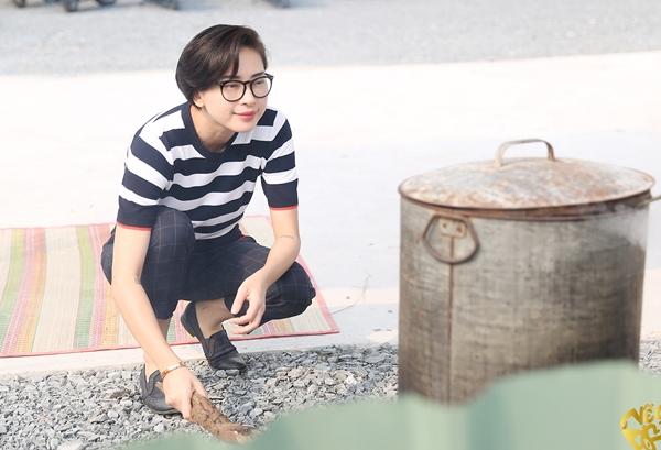 Ngô Thanh Vân - Jun Phạm hì hụi nấu bánh chưng đón Tết - 4