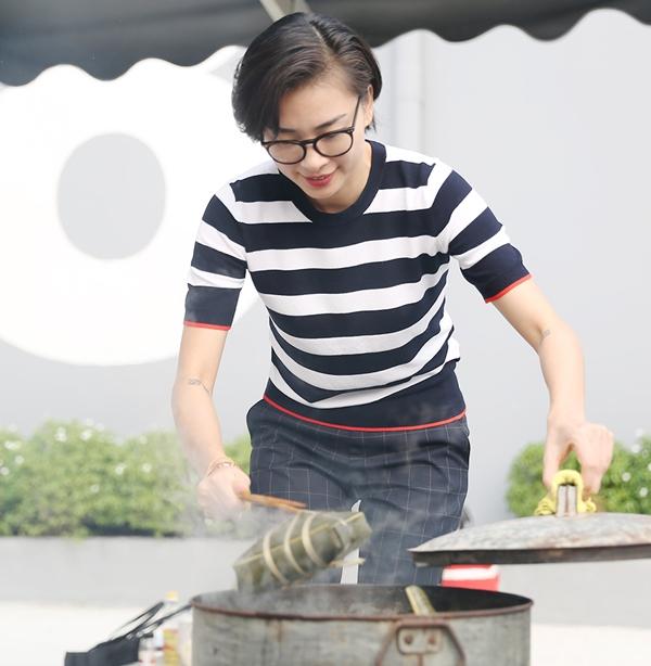Ngô Thanh Vân - Jun Phạm hì hụi nấu bánh chưng đón Tết - 5