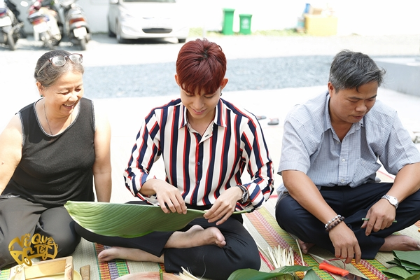 Ngô Thanh Vân - Jun Phạm hì hụi nấu bánh chưng đón Tết