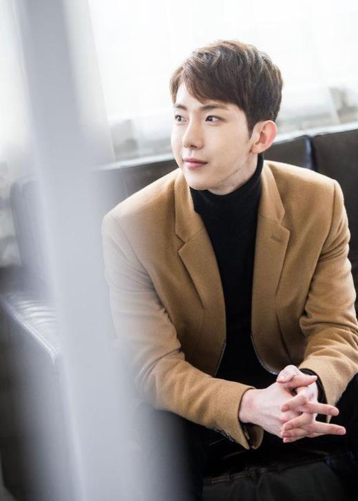 Jo Kwon phản pháo về scandal nhận bằng thạc sĩ bằng cửa sau - 1