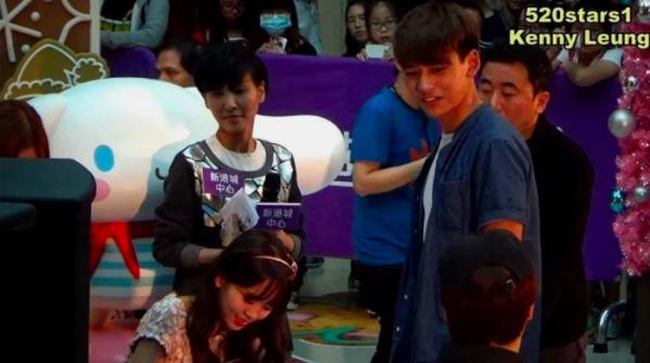 Idol nam lặng lẽ tham gia fan meeting của Kim So Hyun - 2