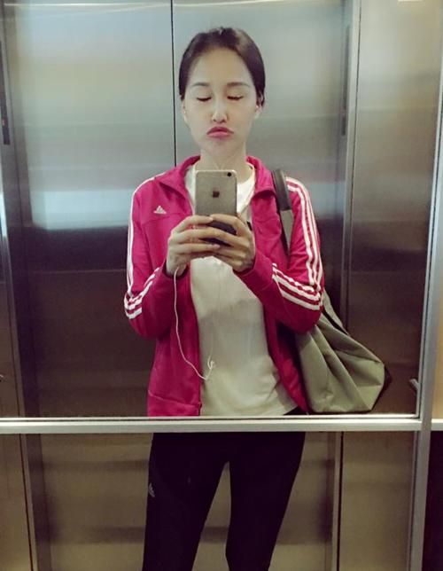 Sắm hàng hiệu bất chấp nhưng Mai Phương Thúy vẫn mặc đồ kiểu gái quê - 3