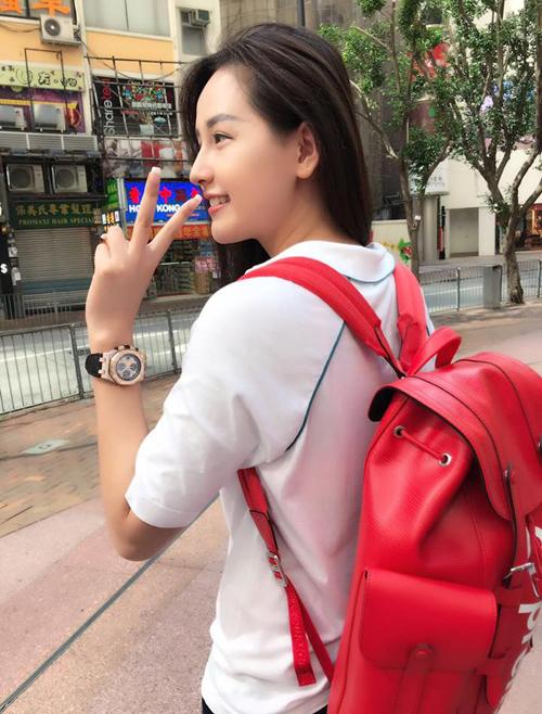 Sắm hàng hiệu bất chấp nhưng Mai Phương Thúy vẫn mặc đồ kiểu gái quê - 8