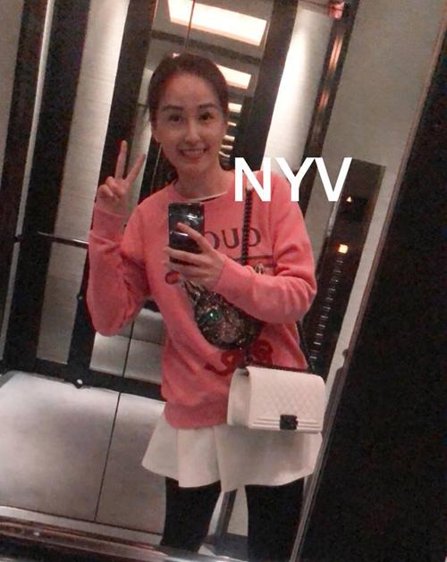 Sắm hàng hiệu bất chấp nhưng Mai Phương Thúy vẫn mặc đồ kiểu gái quê - 2