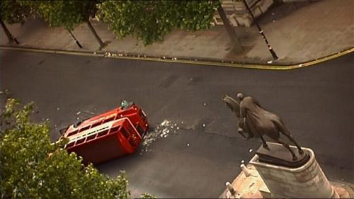 Cách đạo diễn làm sạch cả thành phố London với cảnh phim này - 2