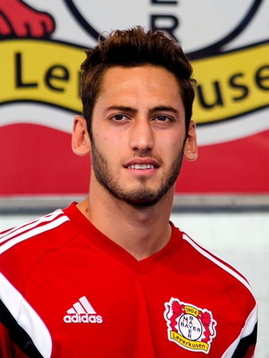 Calhanoglu hồi năm 2015, thời điểm anh còn khoác áo Bayer Leverkusen (Đức).
