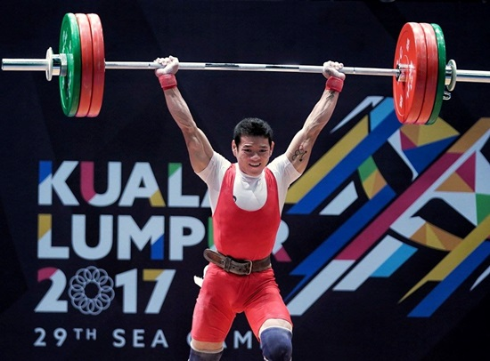 Thạch Kim Tuấn nâng tạ tại SEA Games 29.