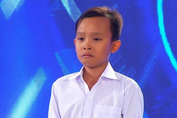 Hình ảnh Hồ Văn Cường khóc mếu máo trong lần đầu tiên xuất hiện trên truyền hình&