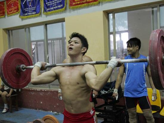 Để có được thành công như hiện tại, Thạch Kim Tuấn đã phải trải qua nhiều nỗ lực vượt khó.