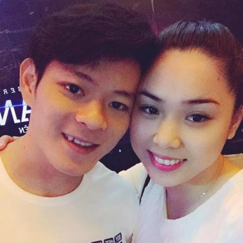 Đầu năm 2017, Thạch Kim Tuấn đã kết hôn với bạn gái Nguyễn Quỳnh.