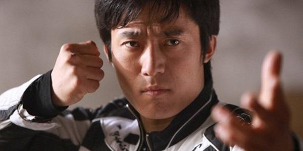 Nhạc Tùng thuộc lớp những ngôi sao mới của làng phim võ thuật Trung Hoa.