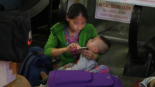 Ga Sài Gòn nhộn nhịp người về quê những ngày cận Tết - 6