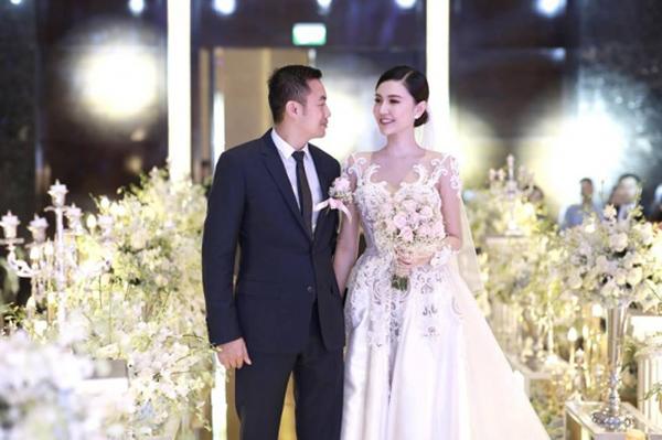 Sao Việt khoe quà, hạnh phúc bên người yêu dịp Valentine - 2