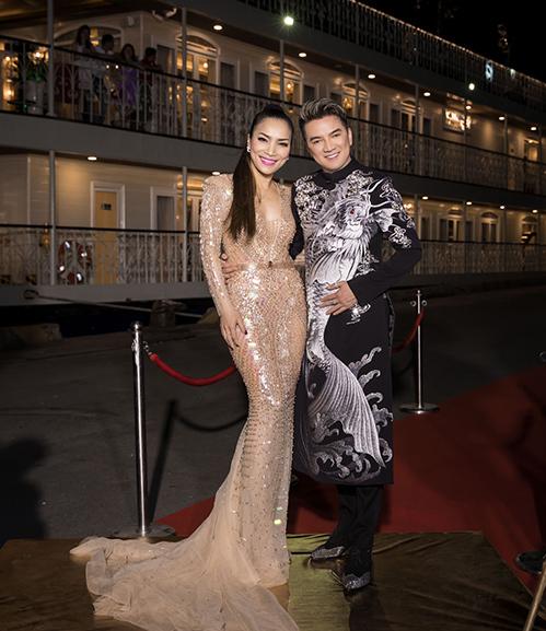 Đàm Vĩnh Hưng vung tiền tỷ cho trang phục biểu diễn trên du thuyền triệu đô - 1