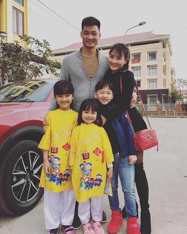 Sao Việt khoe ảnh sum họp bên gia đình vào dịp Tết