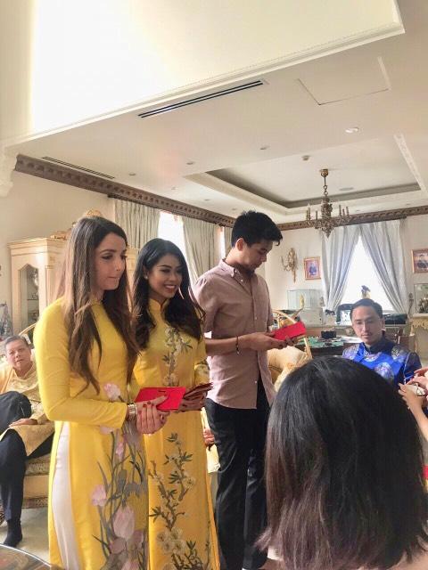 Hai em chồng Tăng Thanh Hà nhí nhảnh đón Tết truyền thống - 4