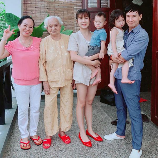 Sao Việt khoe ảnh sum họp bên gia đình vào dịp Tết - 1