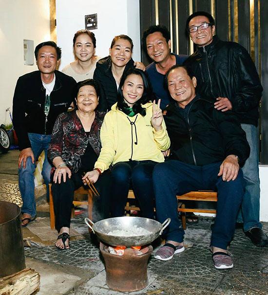 Sao Việt khoe ảnh sum họp bên gia đình vào dịp Tết - 9