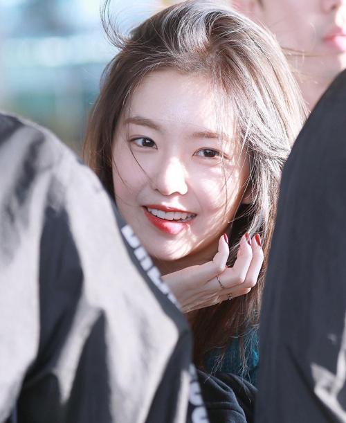 Irene chứng minh đẳng cấp nữ thần, da đẹp không cần kem nền - 3