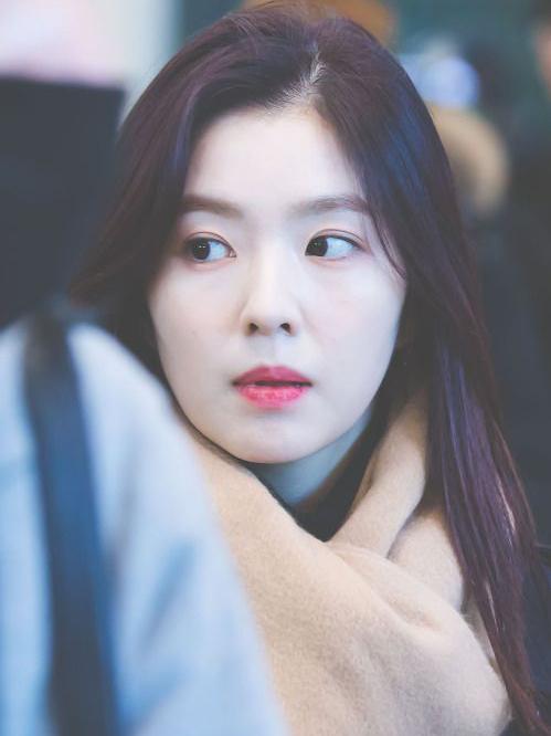 Irene chứng minh đẳng cấp nữ thần, da đẹp không cần kem nền - 1