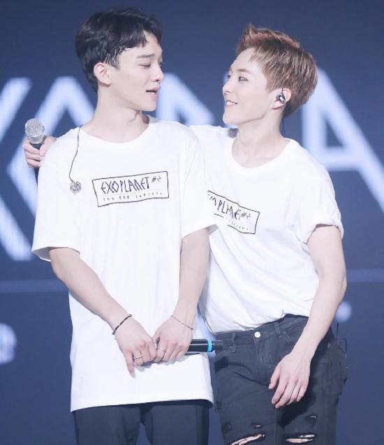 Những idol Hàn từ chối quà, chỉ nhận tình yêu từ fan