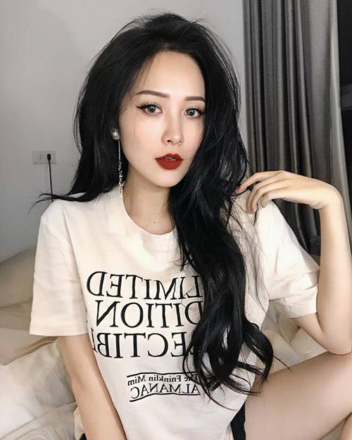 Em họ Hương Tràm xinh hơn hot girl, mặc đồ chất miễn bàn - 3