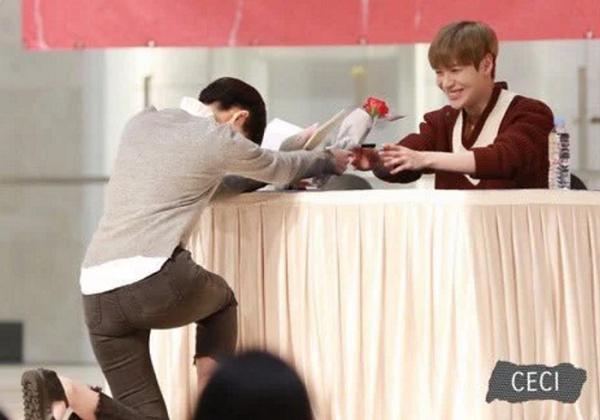 Những idol Hàn từ chối quà, chỉ nhận tình yêu từ fan - 5