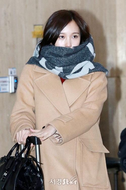 3 mỹ nhân Twice khoe style sau Tết, Hara đi boots khó hiểu - 9