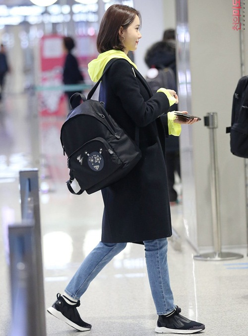 3 mỹ nhân Twice khoe style sau Tết, Hara đi boots khó hiểu - 4