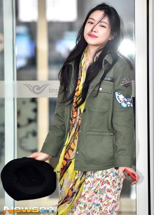 3 mỹ nhân Twice khoe style sau Tết, Hara đi boots khó hiểu - 6