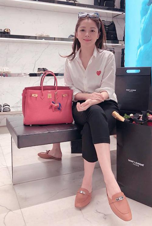 Style sang chảnh, ngập tràn đồ hiệu của bạn gái tin đồn Soobin Hoàng Sơn - 3