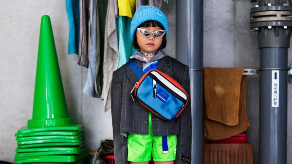 Kính Louis Vuitton túi của Marc Jacobs được Coco kết hợp cùng set đồ cá tính