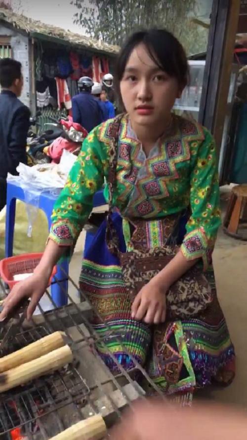 4 thiếu nữ bán hàng rong nổi tiếng sau ảnh chụp lén - 1