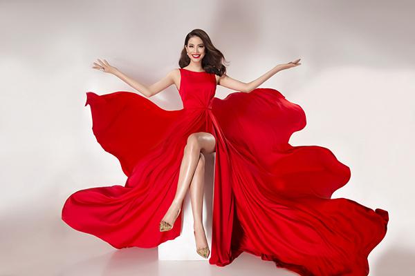 Vừa được tạp chí Ý quan tâm, Phạm Hương tung bộ ảnh đẹp tựa nữ thần - 2
