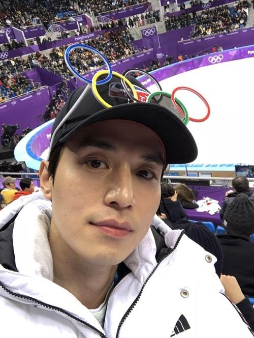 Fan phát cuồng vì gương mặt mộc hoàn hảo của nam diễn viên Lee Dong Wook.