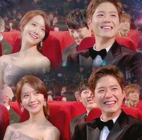 Yoon Ah và Park Bo Gum đều khen ngợi vì nhan sắc.