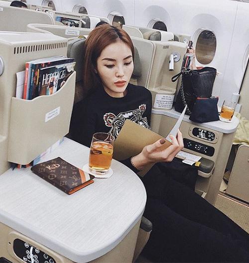 Kỳ Duyên mang cả tủ quần áo tiền tỷ cho một chuyến du lịch Hàn Quốc - 8