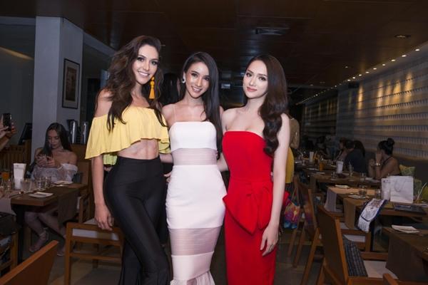 Hương Giang đọ sắc vóc với Hoa hậu chuyển giới Thái Lan - 6
