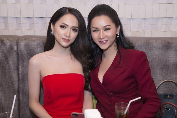 Hương Giang đọ sắc vóc với Hoa hậu chuyển giới Thái Lan - 7