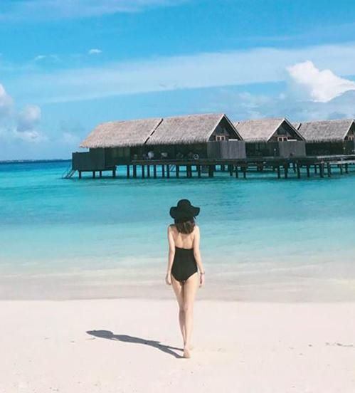 Bạn gái tin đồn Soobin chăm khoe mặt học sinh, người phụ huynh với bikini - 6