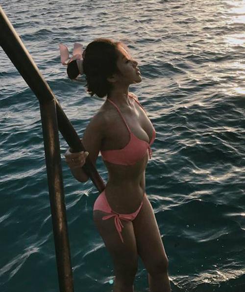 Bạn gái tin đồn Soobin chăm khoe mặt học sinh, người phụ huynh với bikini - 4